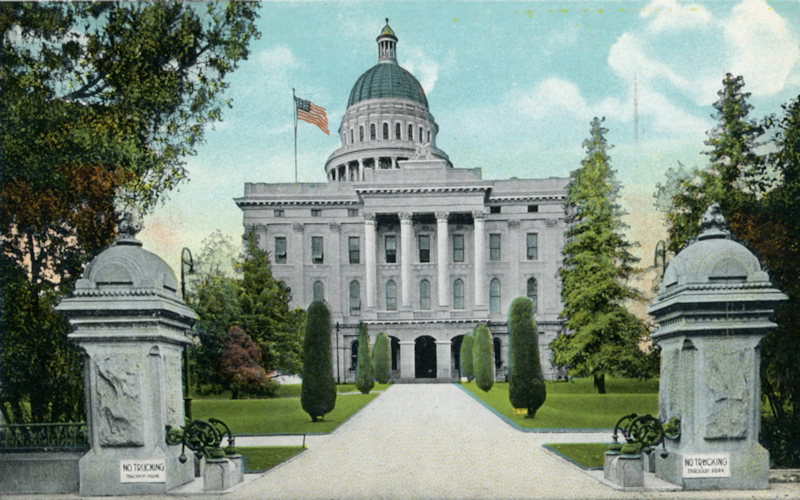 South side of Capitol postcard 1910s