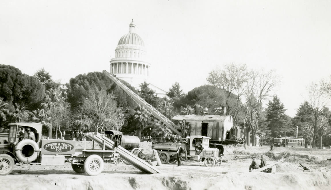 Start of construction on the Library and Courts Building, c.1924