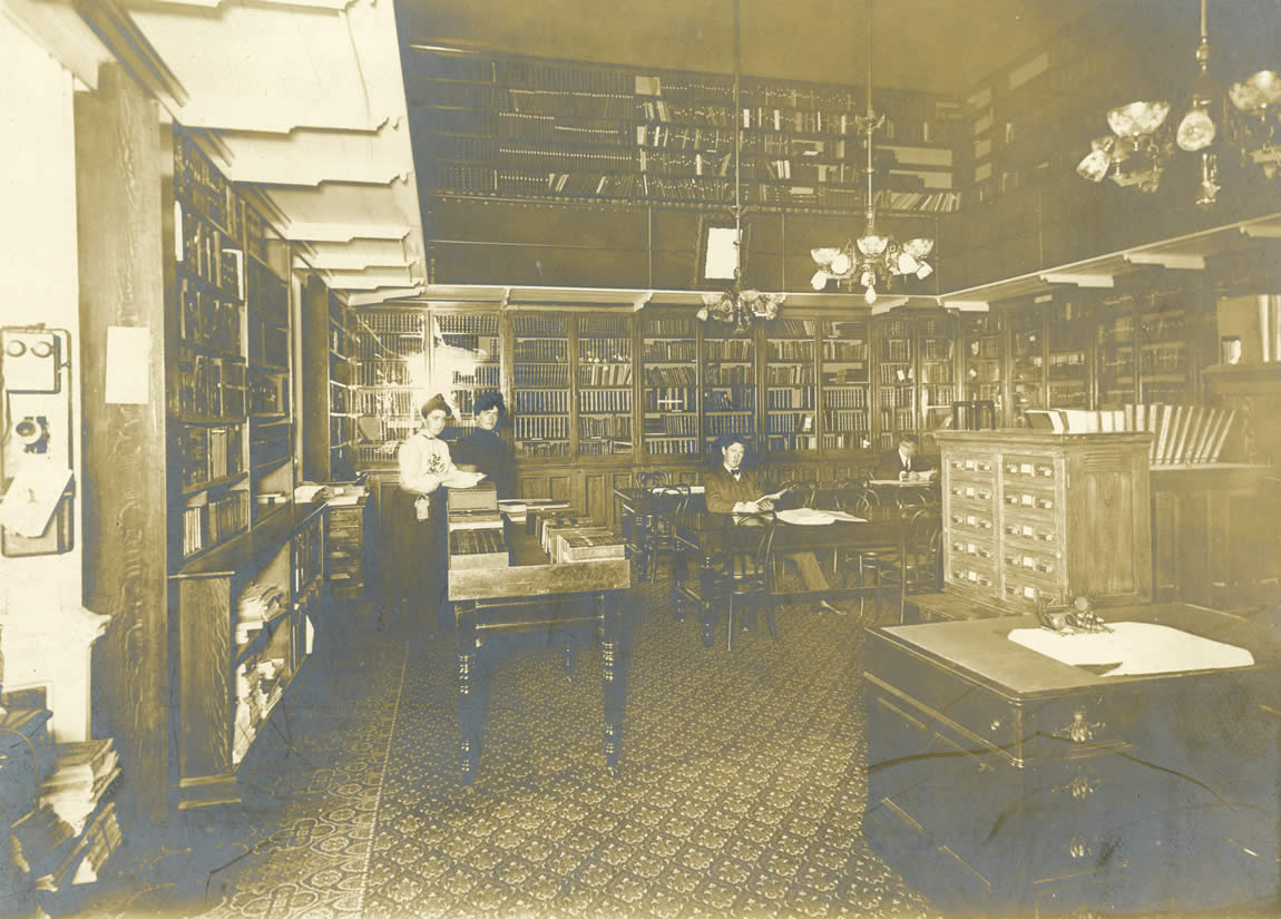 Interior of the State Library Reference and Reading Room in the State Capitol, 1904