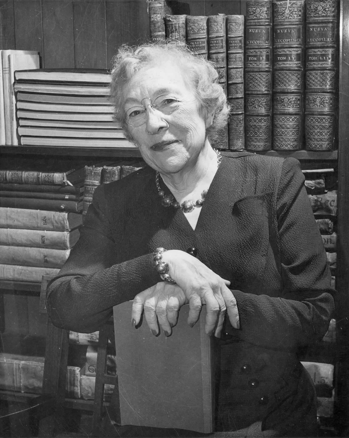 (1930-51) Photo of Mabel R. Gillis, the seventeenth State Librarian