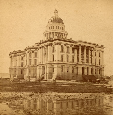 Photo of the nearly completed State Capitol showing the circular apse in which the CSL would be housed