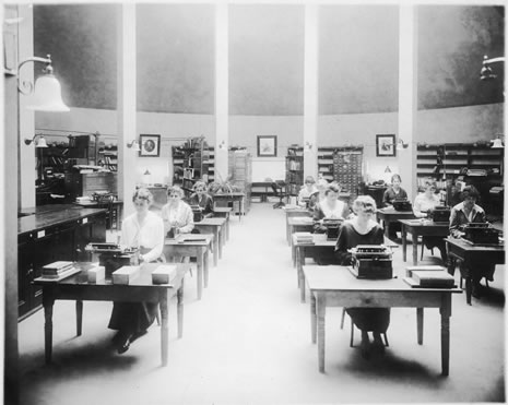 Members of the Library School class typing in 1919 in the Capitol apse