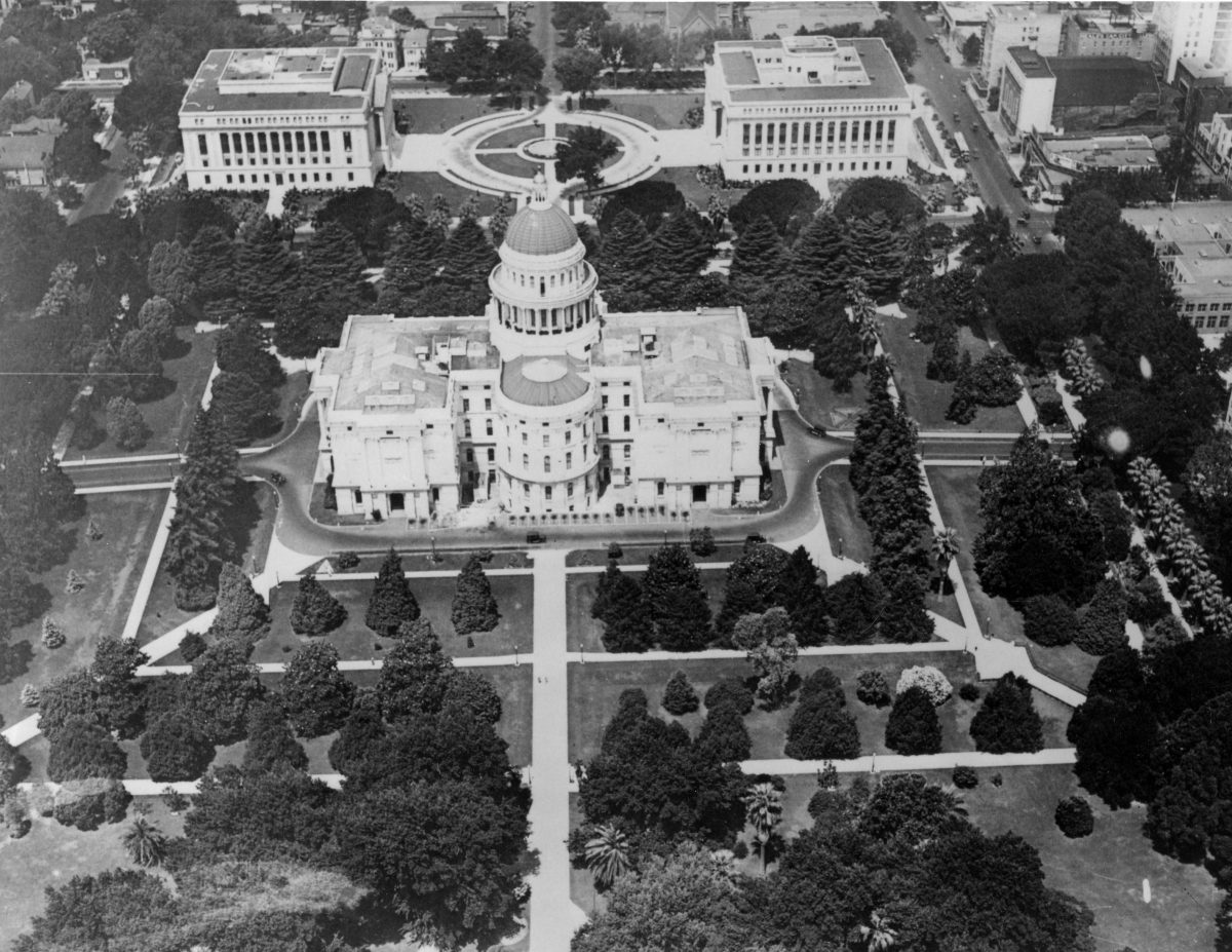 Aerial photograph of the Capitol and Capitol Extension 1930s