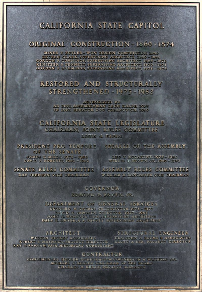 Bronze plaque commemorating the Capitol Restoration Project, 1982